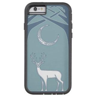 Ciervos azules y blancos en el arte del Celtic del Funda Tough Xtreme iPhone 6