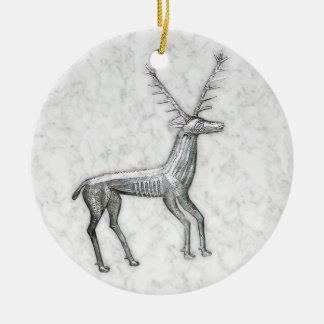 Ciervos de plata en el falso mármol blanco adorno redondo de cerámica