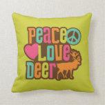 Ciervos del amor de la paz cojines