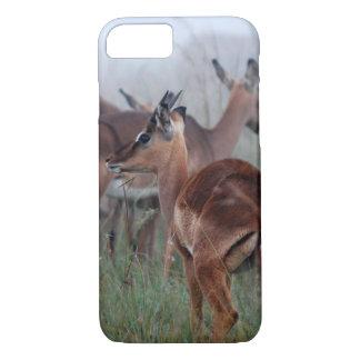 Ciervos del impala en la niebla funda iPhone 7