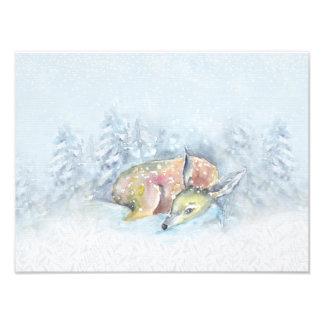 Ciervos del invierno de la acuarela en nieve cojinete