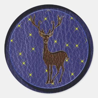 Ciervos del zodiaco del nativo americano de la pegatina redonda
