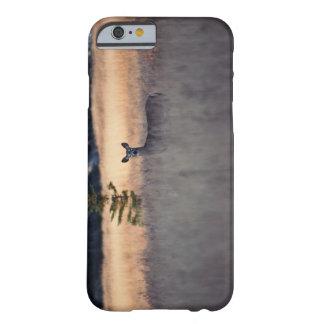 Ciervos en campo de la hierba alta funda de iPhone 6 barely there