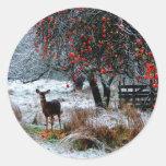 Ciervos en invierno etiqueta redonda
