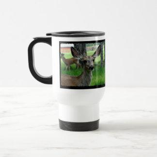 Ciervos en la yarda taza