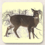 Ciervos en nieve posavasos de bebida