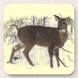 Ciervos en nieve posavasos de bebidas