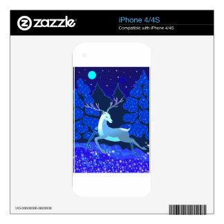 Ciervos lindos mágicos del navidad con la campana skins para eliPhone 4