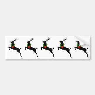 Ciervos negros de la rienda con la guirnalda del n pegatina de parachoque