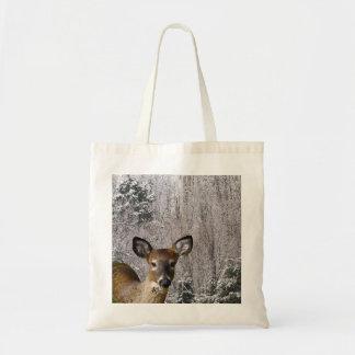 Ciervos y colinas escarchadas bolsa de mano