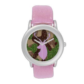 Ciervos y reloj rosados del camo del brillo