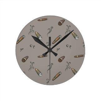 Cigar Pattern Round Clock