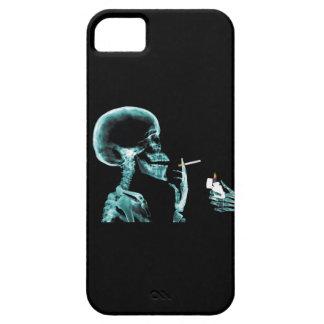 Cigarrillo que fuma esquelético de la RADIOGRAFÍA iPhone 5 Fundas