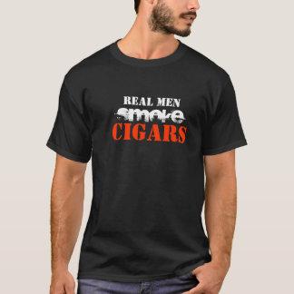 Cigarros reales del humo de los hombres playera