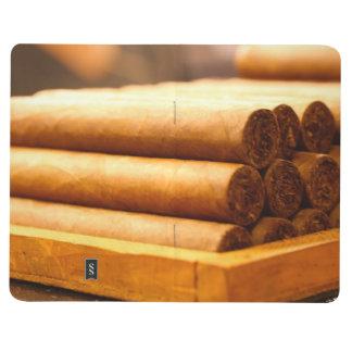 Cigarros rodados mano del Dr. de Romana del La Cuadernos Grapados