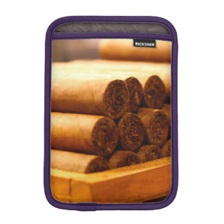 Cigarros rodados mano del Dr. de Romana del La Fundas Para iPad Mini