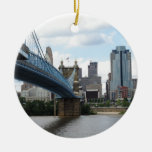 Cincinnati céntrica adorno redondo de cerámica