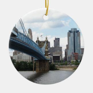 Cincinnati céntrica adorno de navidad