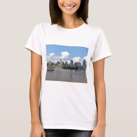 Cincinnati, Ohio skyline with the Ohio River T-Shirt