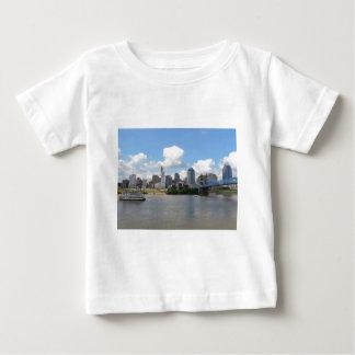 Cincinnati, Ohio skyline with the Ohio River T Shirt