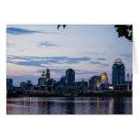 Cincinnati por noche tarjeta pequeña