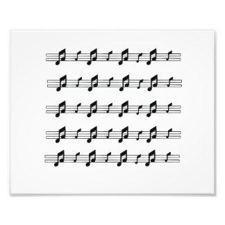 Cinco bastones de la música con el bw de las notas fotografías
