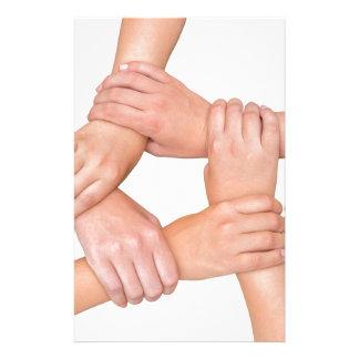 Cinco brazos de los niños que se ligan en blanco papelería personalizada