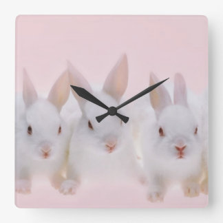 Cinco conejos 2 reloj cuadrado