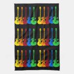 Cinco guitarras eléctricas coloridas toallas de cocina