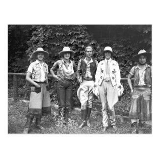 Cinco mujeres en el rancho de tipo tarjeta postal