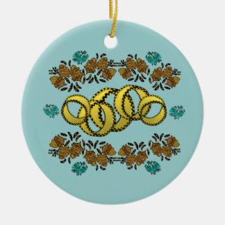 Cinco ornamentos de oro de los anillos ornamentos de reyes magos