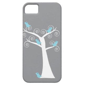 Cinco pájaros azules en una caja del árbol iPhone 5 cobertura