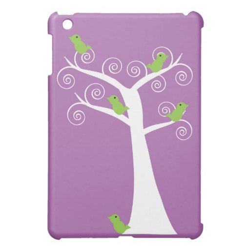 Cinco pájaros verdes en un árbol iPad mini fundas
