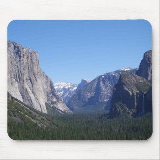 Cinco señales Yosemite California Mousepad