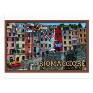 Cinque Terre - casas de Riomaggiore Tarjeta Postal