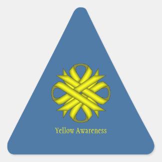 Cinta amarilla del trébol pegatina triangular
