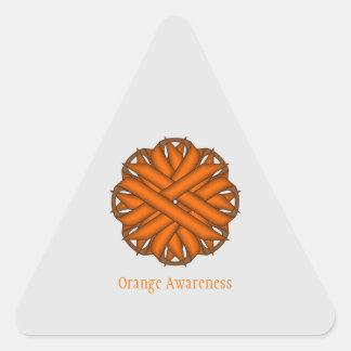 Cinta anaranjada de la flor pegatina triangular