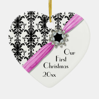 Cinta blanca del damasco del negro de la hebilla adorno navideño de cerámica en forma de corazón