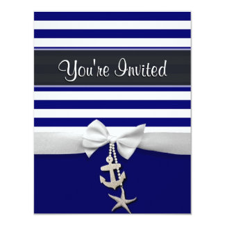 Cinta blanca náutica y encantos de la raya azul invitación 10,8 x 13,9 cm