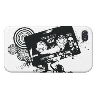 Cinta de audio y cráneo retros del Grunge iPhone 4/4S Fundas