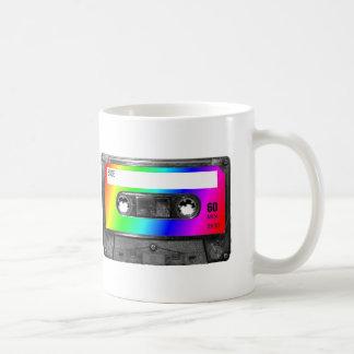 Cinta de casete del arco iris taza de café