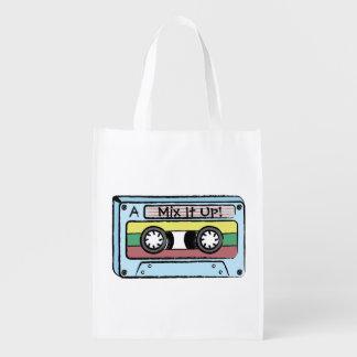 Cinta de casete dibujada mano del dibujo animado bolsa de la compra