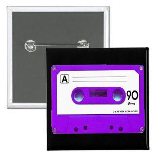 Cinta de casete púrpura pin