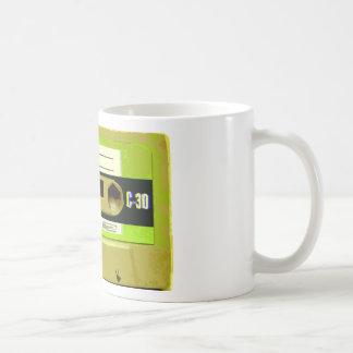 Cinta de casete retra de la verde lima taza de café