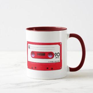 Cinta de casete roja taza