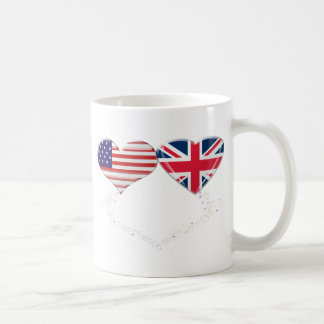 Cinta de la bandera y de teletipo de los corazones taza de café