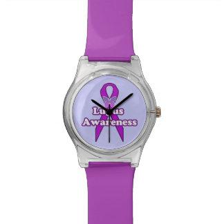 Cinta de la conciencia del lupus con la mariposa relojes