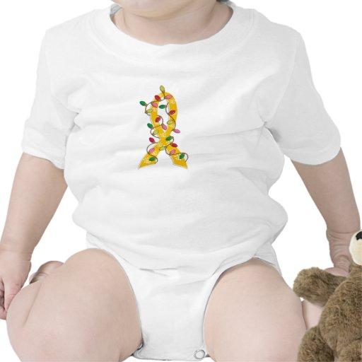 Cinta de las luces de navidad del cáncer de la niñ camisetas