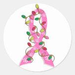 Cinta de las luces de navidad del cáncer de pecho etiquetas redondas