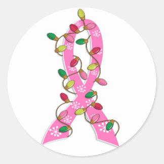 Cinta de las luces de navidad del cáncer de pecho pegatina redonda